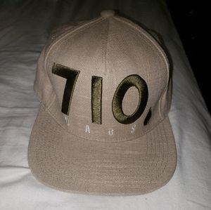 Spencer's   710 Dabs hat